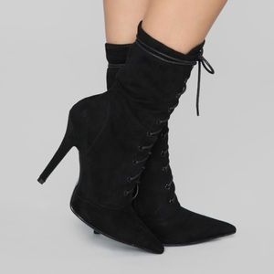 NEW NEVER WORN black lace up booties